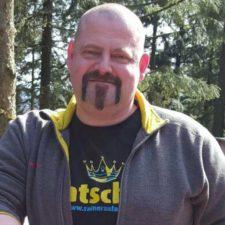 Michael Klages Kraftfahrer der Deutschen Post, 49, aus Koblenz. Langjährige Terraristik Erfahrung, vorwiegend Vogelspinnen.