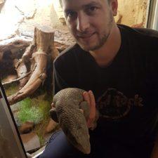 Michael Daum Geboren 1989. Im Jahre 2001 bekam er sein erstes Reptil, ein Pantherchamäleon. Seitdem hat er die verschiedensten Reptilien kennen gelernt. Derzeit pflegt er verschiedene Schlangen, Leopardgeckos und Warane.